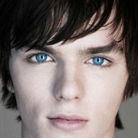Beroemdheden met blauwe ogen en hun vermogen. Wie vind jij het meest aantrekkelijk?