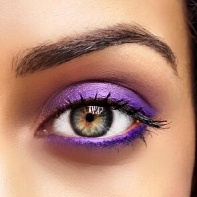 The perfect eye makeup look for Spring with Silkissime Liner in Pure Purple and Infallible 24hr Shadow in Burst into Bloom.