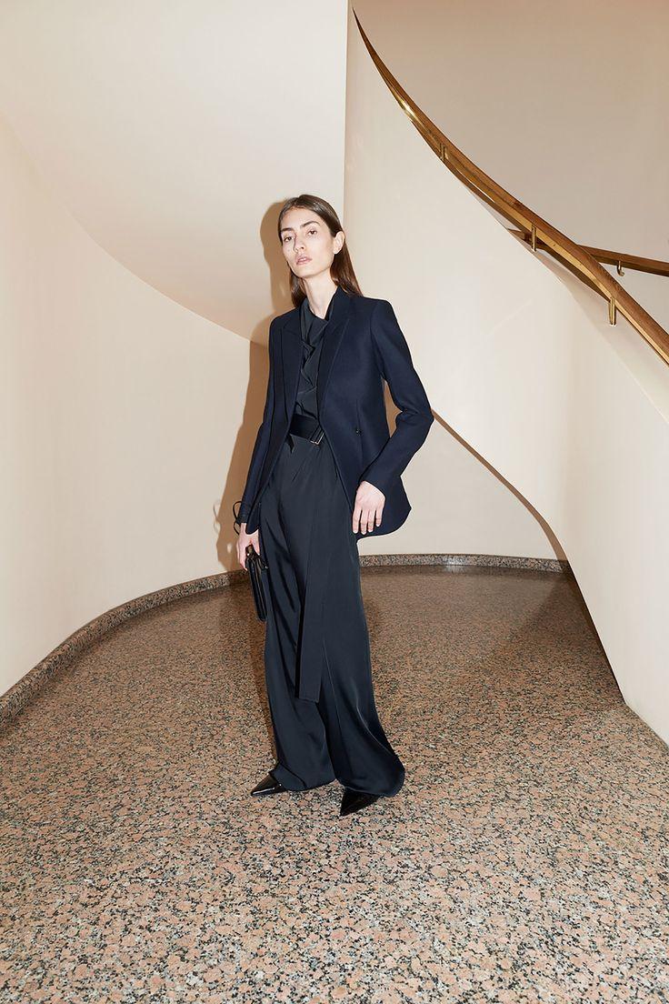 Victoria Beckham Resort 2018 Fashion Show Collection