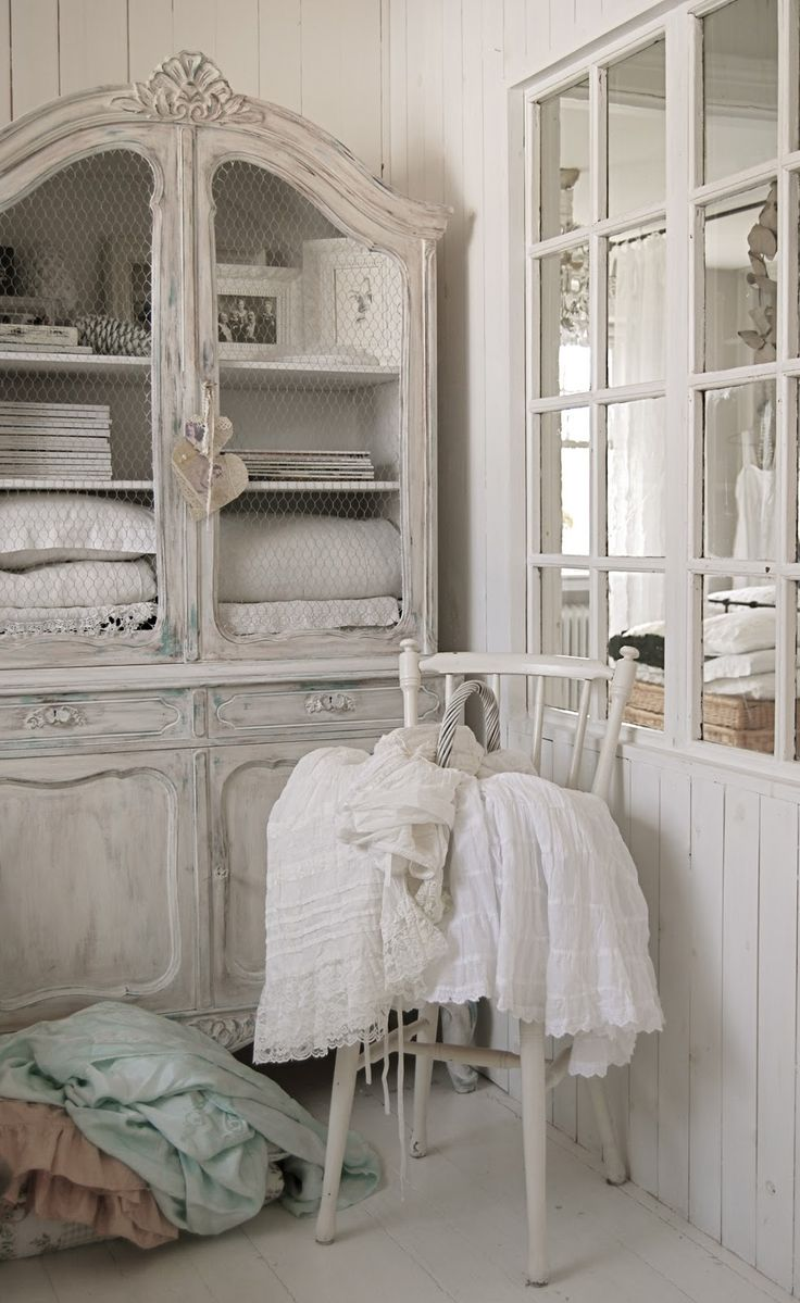 Armoire · Shabby Chic ...
