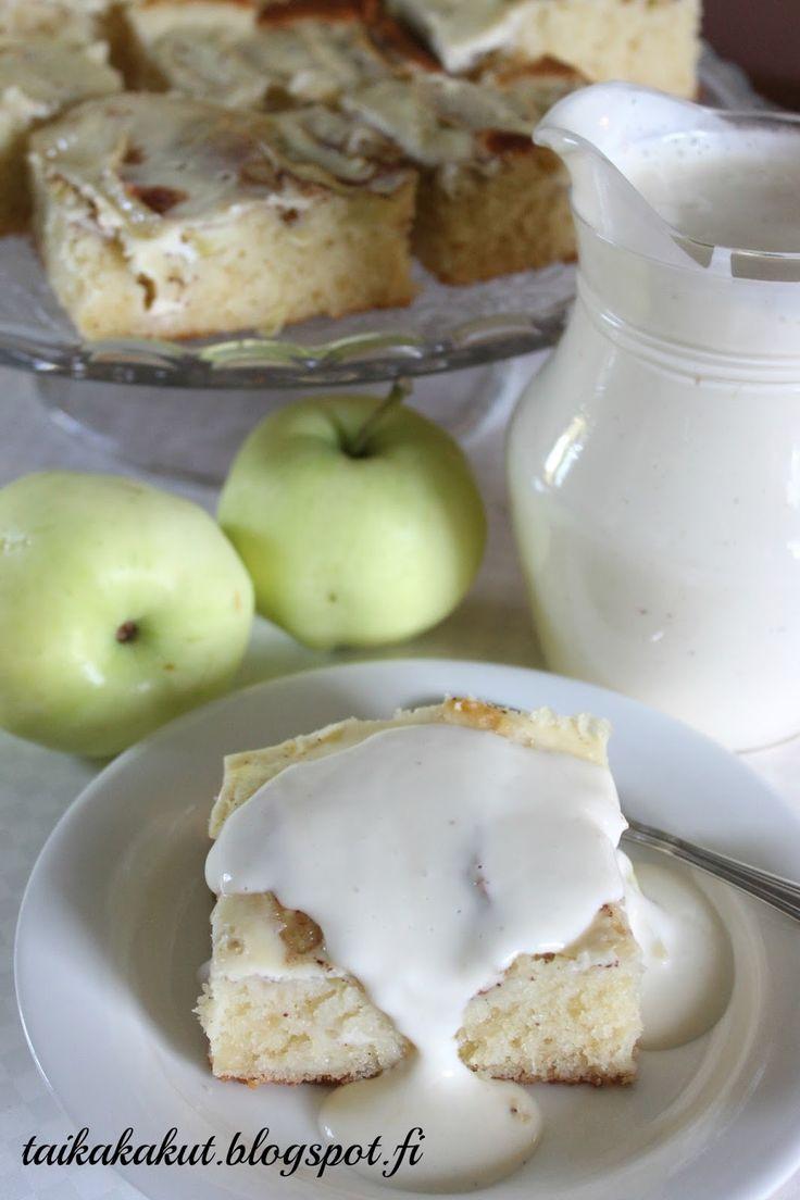 Moi! Omenasadon kunniaksi tein omenaherkkuöverit, nam! 😋 Piirakan ohje on äitini ja se onkin niin mahtava ohje, että olen leiponut si...