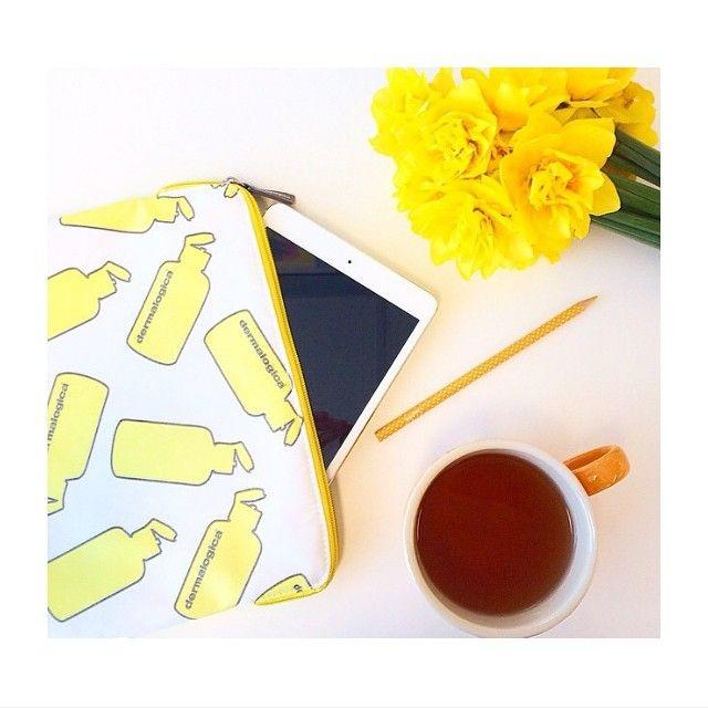 tea, iPad, Dermalogica and flowers = Happy