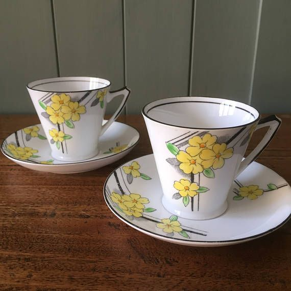 Vintage coffee cups and saucers  pretty 1930s small tea cups