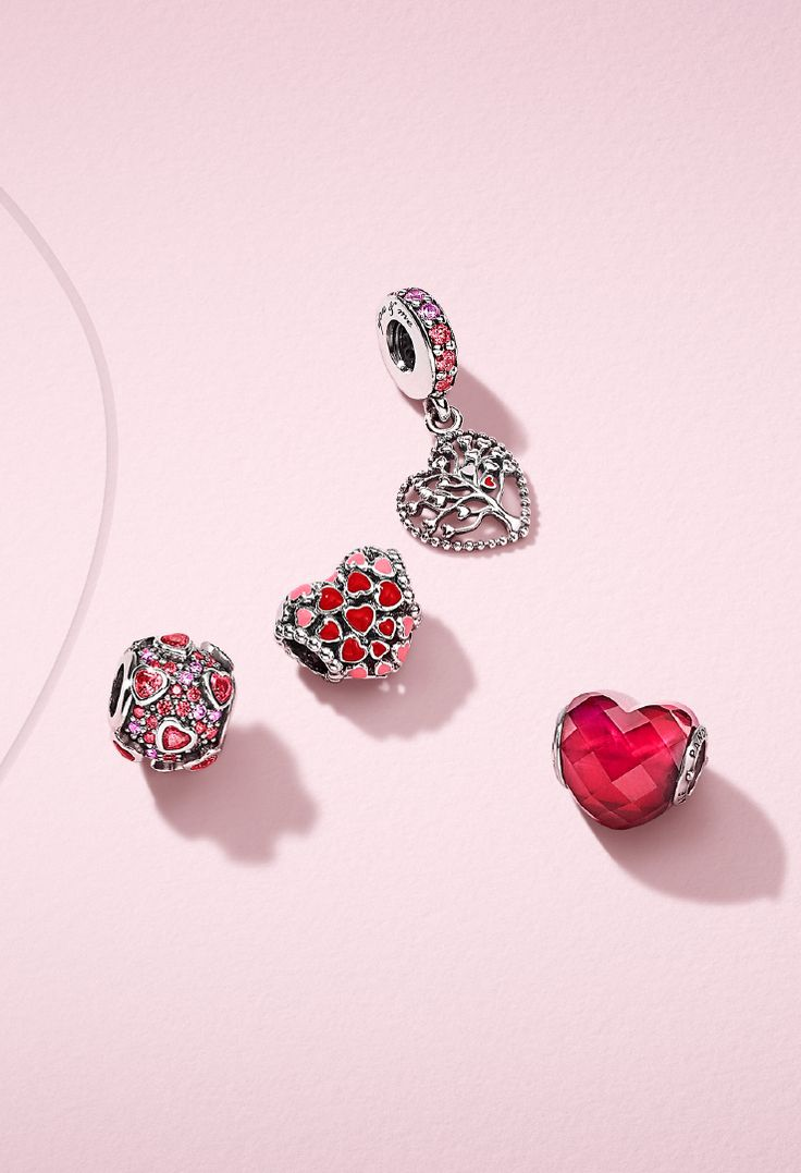 Create a loving statement with these cute sterling silver charms. Interpreting the iconic PANDORA heart charm, you can personalize your own perfect Valentine's Day message.