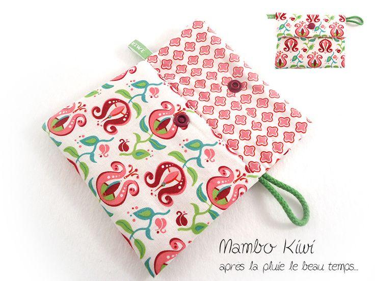 Pochette serviette hygiénique/tampon tissu romantique à fleurs rétro rose fuchsia : Etuis, mini sacs par mambo-kiwi