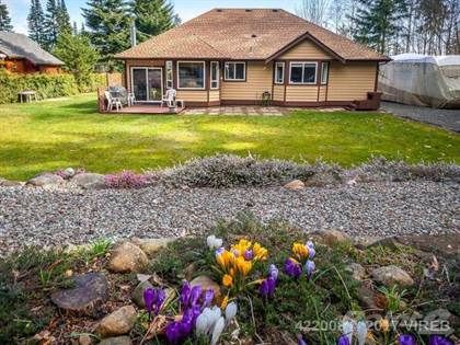 4516 Thompson Clarke E Drive, Qualicum Beach, British Columbia For Sale — Point2 Homes Canada