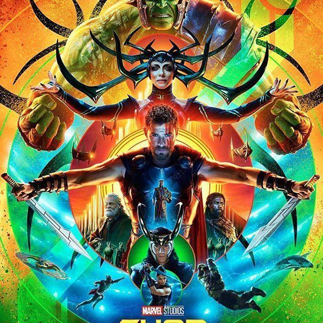 filmarks_official アメリカ・サンディエゴで行われているコミコン2017の会場にて『マイティ・ソー バトルロイヤル』の新海外版ポスターが解禁🎬『マイティ・ソー バトルロイヤル』11月3日公開 Repost by @marvelstudios ・・・ Check out the new #ThorRagnarok poster that just debuted in Hall H! #映画 #movie #cinema #marvel #marvelcomics #マーベル #マイティソー #chrishemsworth #クリスヘムズワース #tomhiddleston #トムヒドルストン #ハルク #映画鑑賞 #映画好き #アメコミ #映画部 #filmarks #filmaga #filmarks映画部  2017/07/24 22:37:17