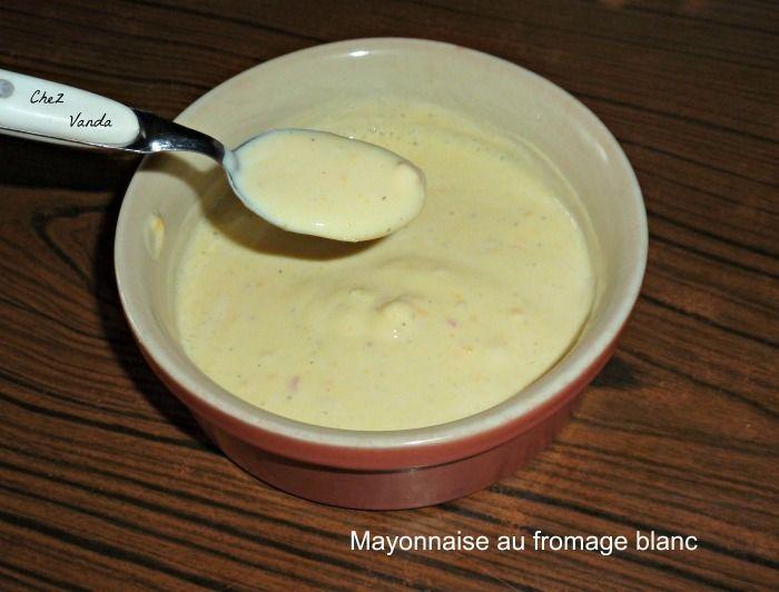Idéale pour les légumes, les viandes et les poissons. J'ai gardé le nom de cette recette bien que je trouve que ce ne soit pas une mayonnaise mais plutôt une petite sauce Recette extraite du livre WW * guide pratique de la cuisine légère de 2005 * pour...