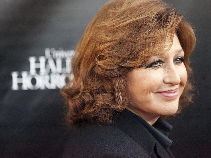 La actriz y cantante mexicana Angélica María confirma su participación en la nueva producción 'Graves' que debutará en la televisión de Estados Unidos en el 2016. Entérate en café y cabaret.