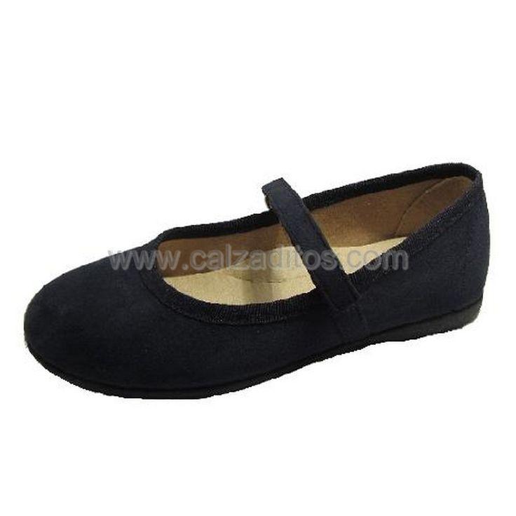 Zapatos para niña baratos con velcro. Es un calzado infantil cómodo y  flexible, con