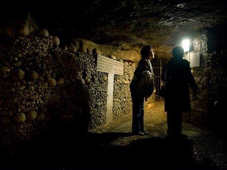 Katakomben von Paris – Das Gruselreich unterm Straßenpflaster