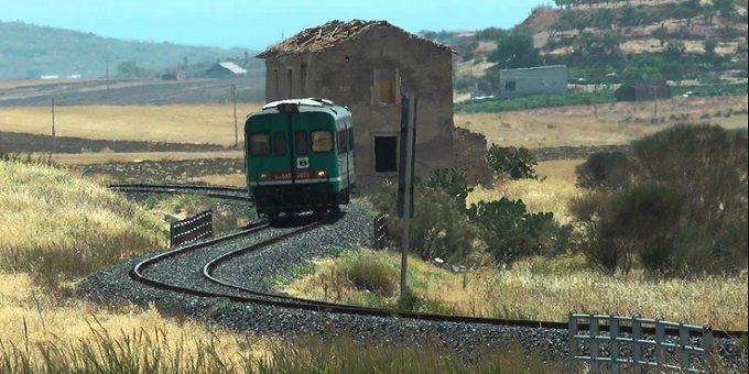 #Trenitalia va a Matera con l'Alta Velocità immaginaria  #travel #Italy #southitaly #matera #matera2019 #rural
