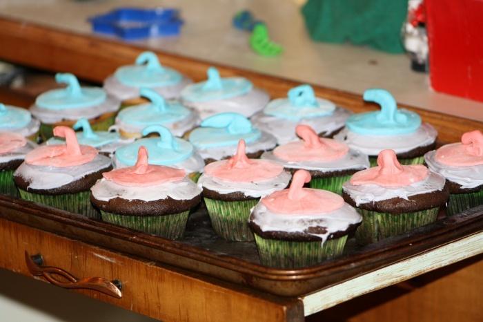 Curling cupcakes