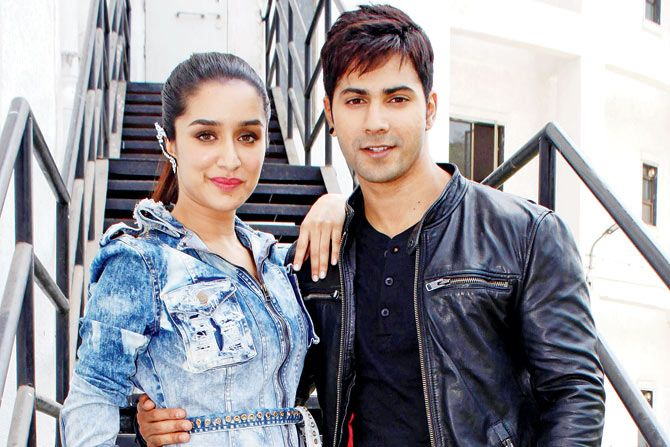 Shraddha and Varun come together to celebrate the success of their recently released film. For more updates please visit #getmovieinfo #ShraddhaKapoor #VarunDhawan #ABCD2