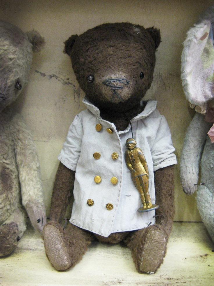 Vintage-style teddy bears by Lena Smaga, Moscow
