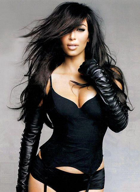 Celebrities in Gloves: Kim Kardashian in Sass & Bide Leather Opera Gloves. Sunday Australia, 06.2010. - GloveLove