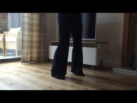 (1) The Northern Soul basic dance step 'The Shuffle'. - YouTube