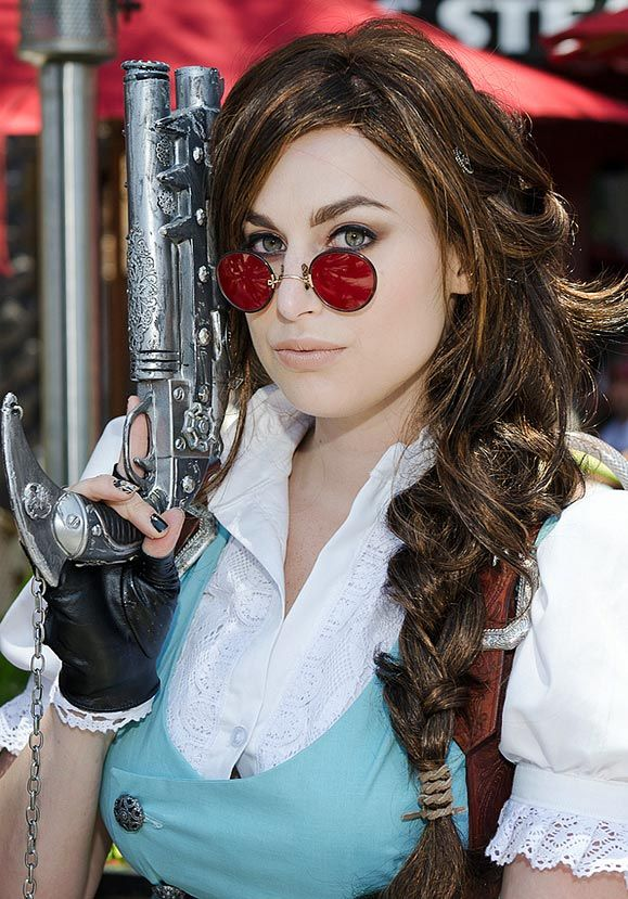 I do love it when mash-up's are done well, and here's an awesome one: Steampunk Lara Croft.    More images at http://xerposa.com/steampunk-lara-croft-tomb-raider-cosplay