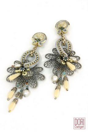 Perception Oversized Earrings #doricsengeri #bridal #wedding #white #brideljewelery