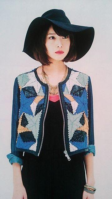 女優帽の戸田恵梨香