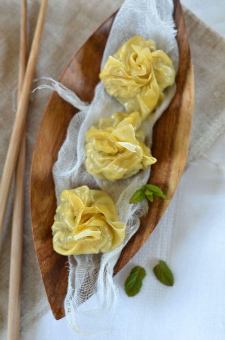 Ça faisait une éternité que je n'avais pas fait mes raviolis et je reviens avec de super ravioli chinois à la vapeur, au poulet et au citron!