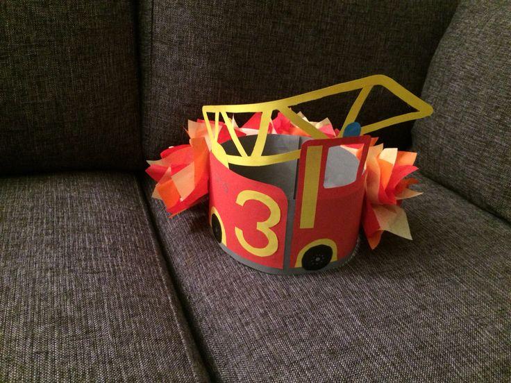 Verjaardagsmuts brandweer, Joris 3 jaar. Birthday hat