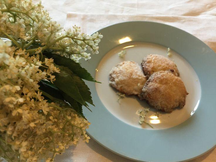 Elderflower Cookies- recipe at www.jenskitchen.ie