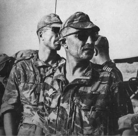 Colonel Trinquier en août 1958 avec le 3ème RPC à Djelfa