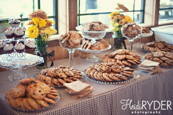 wedding cookie buffet...what you think instead of candy? Asbury farms cookies?