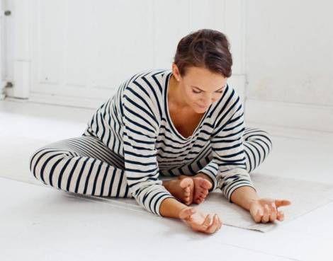 Her er fem søvndyssende yogastillinger