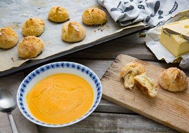 Morot och tomatsoppa med grova citronscones
