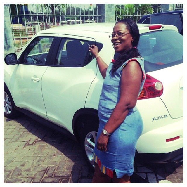 PHOTOS: Sonnie Badu Buys Mum Brand New Nissan Juke Car
