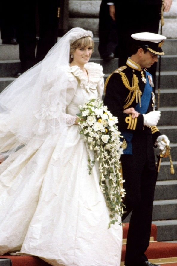 Princess Dianas wedding dress - 1980s meringue