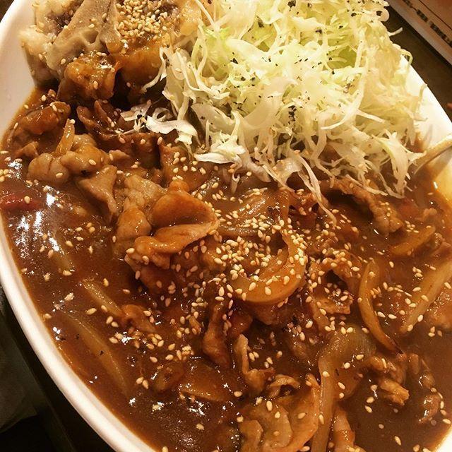 #昨日 #ランチ #肉 #にく #カレー #ルー #大盛り #プラス #牛テール #コロッケ #トッピング #広尾のカレー #きっかわこうじ #牛 #テール #美味しかった #お腹いっぱい #広尾 #tokyo #japanese #gourmet #japanesequisine #curry #lovers