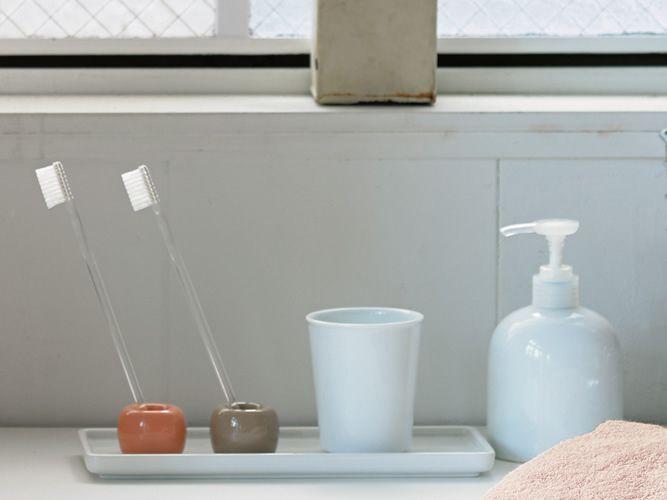 収納に困るアレやコレ… 無印良品の「歯ブラシスタンド」で解決できるかも?