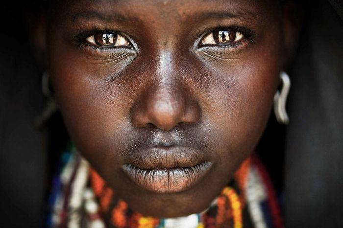Augenfarbe Bedeutung portait afrikanisch augen dunkel