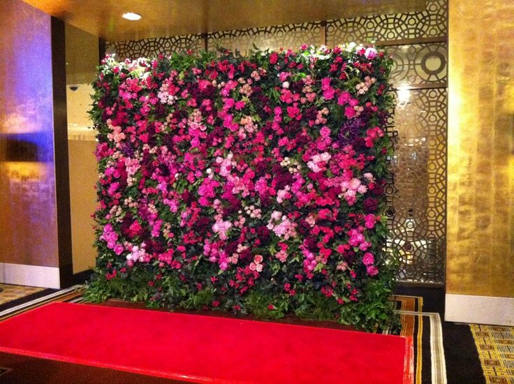 Floral wall by Flowers Vasette