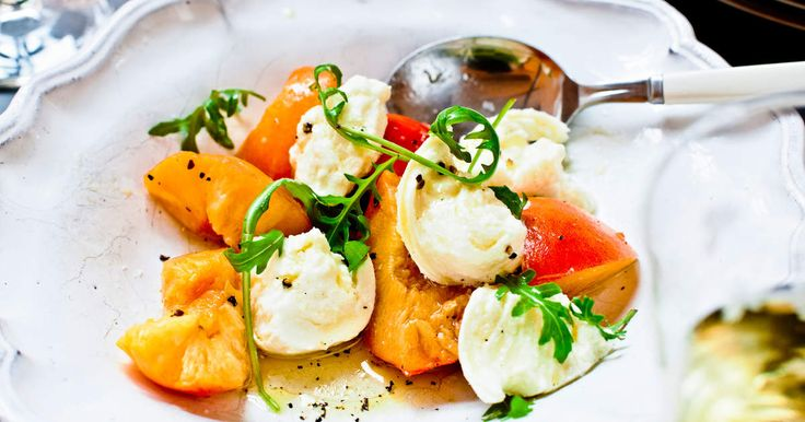 Burrata med nektariner och rucola | Recept från Köket.se