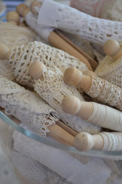 clever way to store lace on wooden dolly pegs