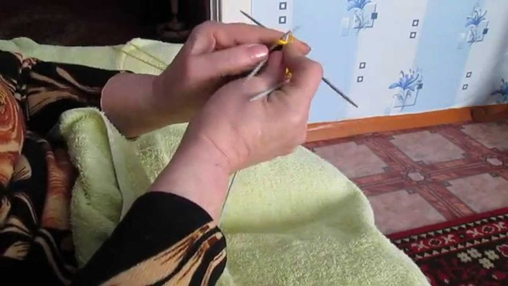 Вяжем в месте варежки для самых маленьких-продолжение