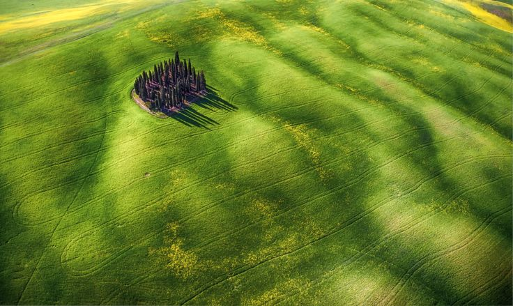 Green Waves by Mauro Pagliai | SkyPixel drone photo