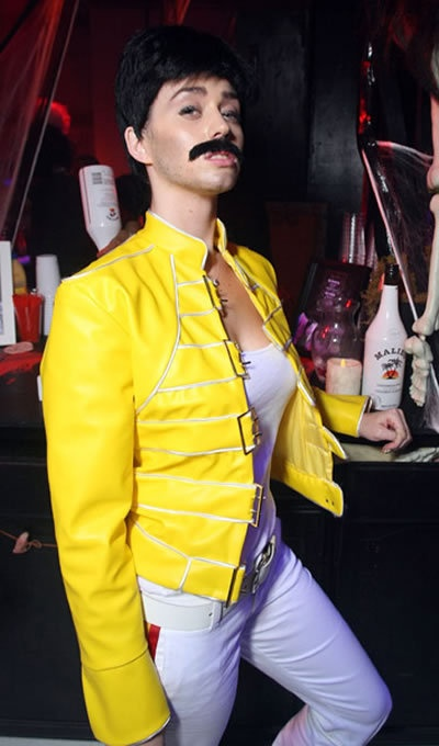 katy perry as freddie mercury music queen rule63 cosplay bad ass cosplay pinterest. Black Bedroom Furniture Sets. Home Design Ideas