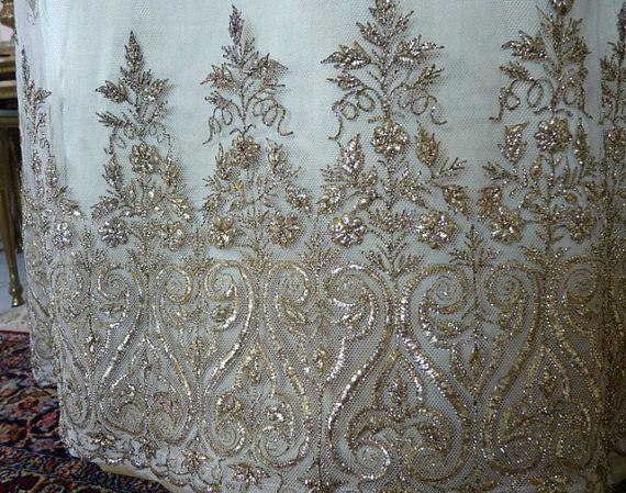 Tournure de robe de bal antique antique robe robe