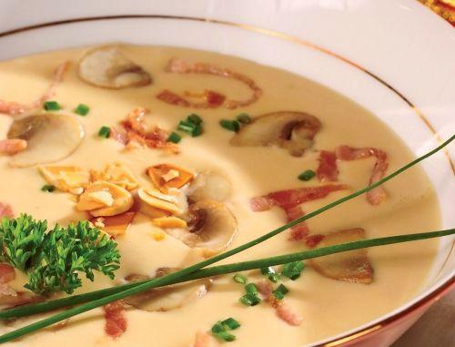 Supă fină cu ciuperci şi kaizer