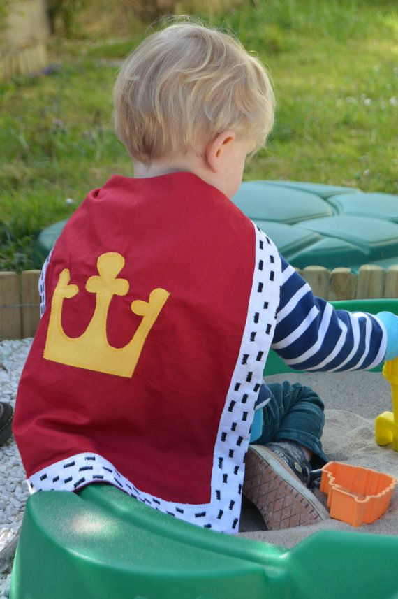 Children's King Cape, 100% cotton, Crown, Knight, History, Birthday party, Dress up, Play, Red, Cape, Washable, Kids, Birthdays, 1-10 years