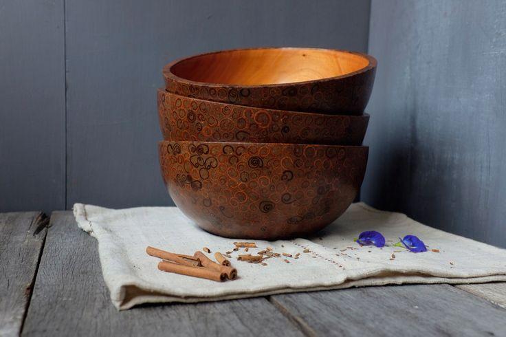 woodturning: mahogany bowl inlay with cinnamon