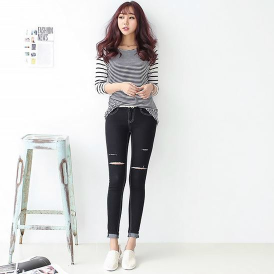 Korea Woman Big size clothing shop. [Jstyle] container fleet teuim Skinny / Size : 26-36 / Price : 26.22 USD #dailylook #OOTD #JSTYLE #plussize #loosefit #large #bottom #pants #jeans