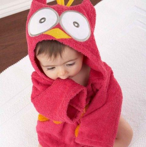 Ce Peignoir rouge hiboux pour bébé n'est-il pas trop mignon ? Découvrez nos peignoirs bébés animaux sur notre site LePeignoir.fr Disponible en 2 coloris