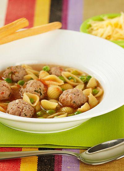 Sopa de pasta con albóndigas