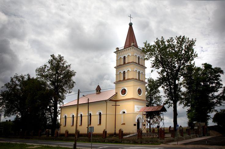 Kościół pod wezwaniem Siedmiu Boleści Najświętszej Marii Panny w Kowalach Pańskich. Swojskie Klimaty.